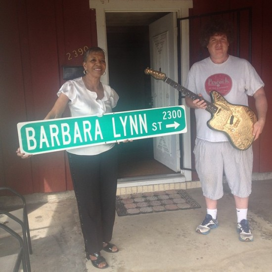 Barbara Lynn with eponymous Beaumont street sign and the Stomp's Dr. Ike