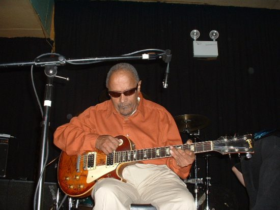 Snooks Eaglin (1936-2009), circa 2002 (Photo by Lakeview Kid)
